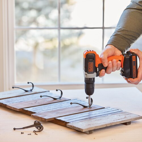Black and Decker - 20V MAX Cordless DrillDriver with 2 Batteries - BCD702C2B