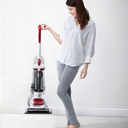 Black and Decker - AIRSWIVEL Ultra lightweight Upright Vacuum Cleaner  PET - BDASP103