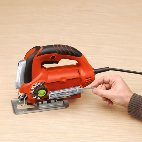 Black and Decker - LINEFINDER 6 Amp Orbital Jigsaw with Smart Select Technology - JS670V